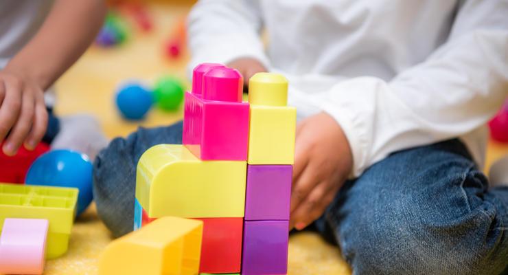 На школы и садики в ОТО выделят 2 млрд гривен