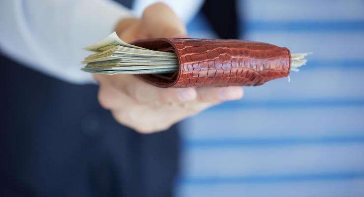 Глава ЦИК получила почти 55 тыс гривен премии в ноябре