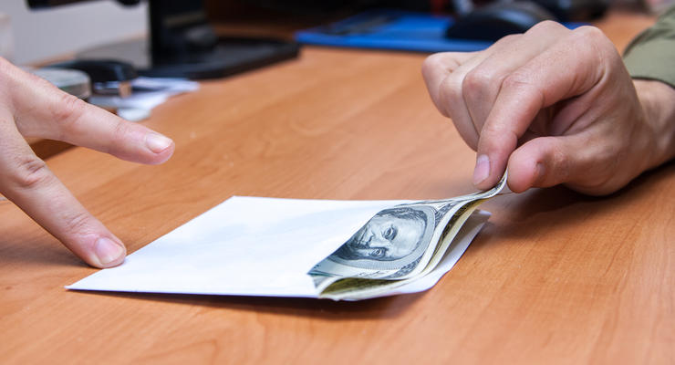 Поймали на горячем: Главу банка задержали за взятку