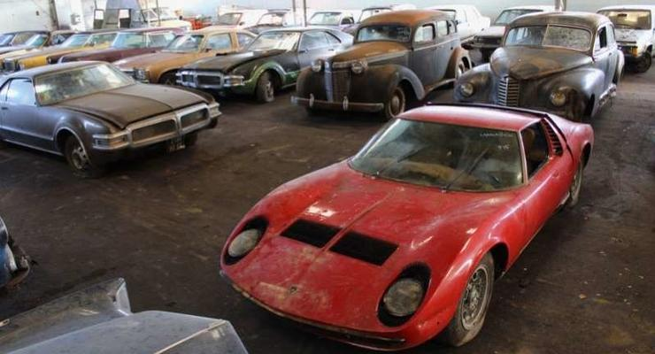 Во Франции нашли коллекцию заброшенных редких авто