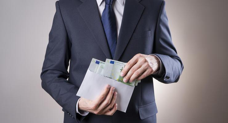 """Налоговая предлагает учитывать зарплаты """"в конвертах"""" при выдаче субсидии"""