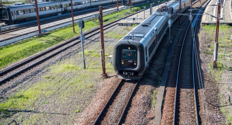 Укрзализныця вдвое сокращает число поездов в Россию