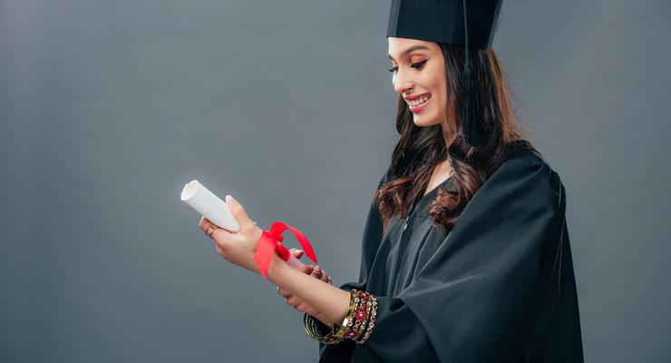 Вопрос-ответ: Как лучше оплатить обучение за границей?