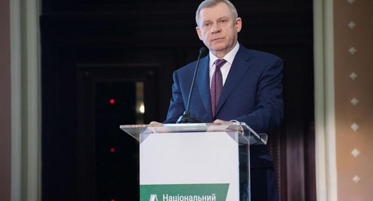 """История с """"ПриватБанком"""" уже давит на валютный курс - Смолий"""