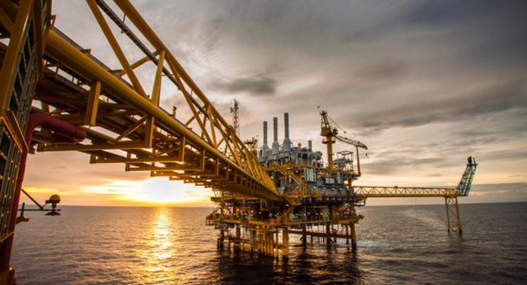 Цены на нефть эталонных марок начинают снижаться
