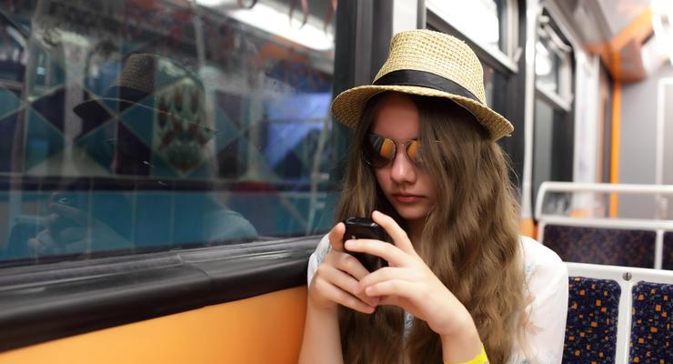 Как оплатить проезд в столичном транспорте при помощи смартфона