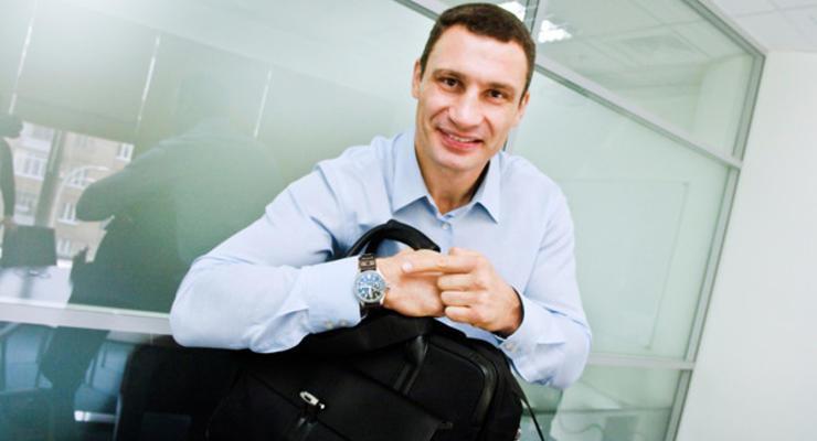 На сколько поднимут зарплату Кличко и местным чиновникам