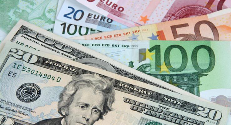 НБУ купил больше валюты, чем продал
