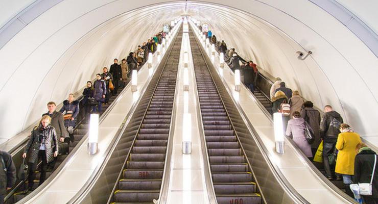 Без очередей: В киевском метро будут кассы-роботы