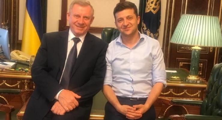 Зеленский предложил люстрировать главу НБУ Смолия