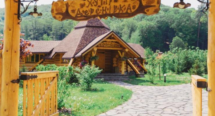 Перис Хилтон хочет купить элитный курорт в Закарпатье - СМИ