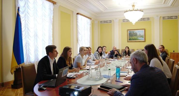 """У Зеленского раздают деньги: Кто будет вознагражден за """"стукачество"""""""
