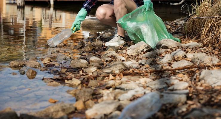 В Украине можно будет обменять пластик на деньги