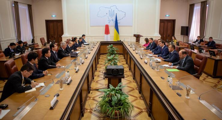 Гончарук призвал японцев инвестировать в Чернобыльскую зону