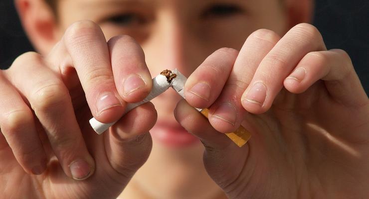 У Зеленского хотят ввести штрафы за электронные сигареты