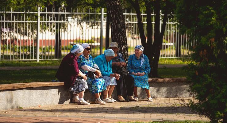 Сколько в Украине работающих пенсионеров