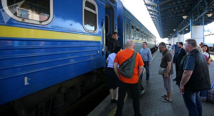 Как воры орудуют в вагонах поездов