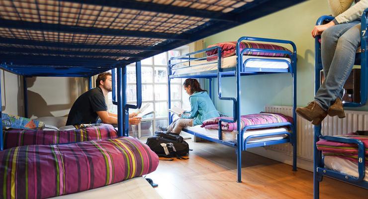 Сколько стоит место в хостеле