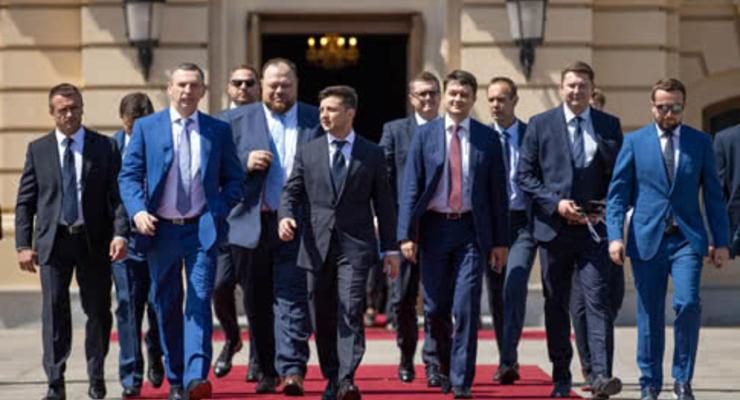 Слуги приняли закон с правкой Геруса, закрепившей импорт электроэнергии из России и Беларуси