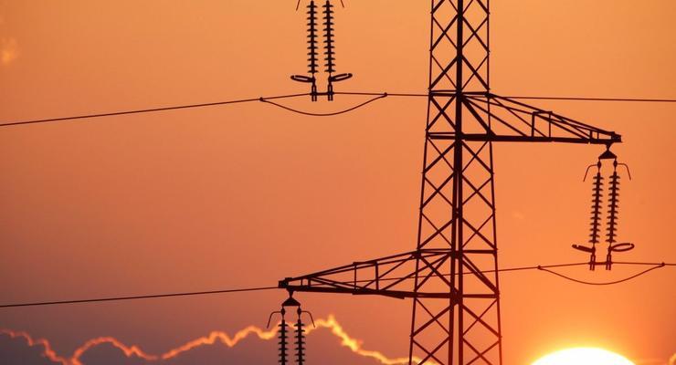 Местные советы призвали президента остановить импорт электроэнергии из России и Беларуси
