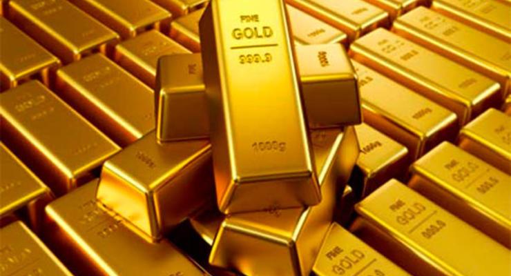 Золото рекордно подорожало впервые за 6 лет