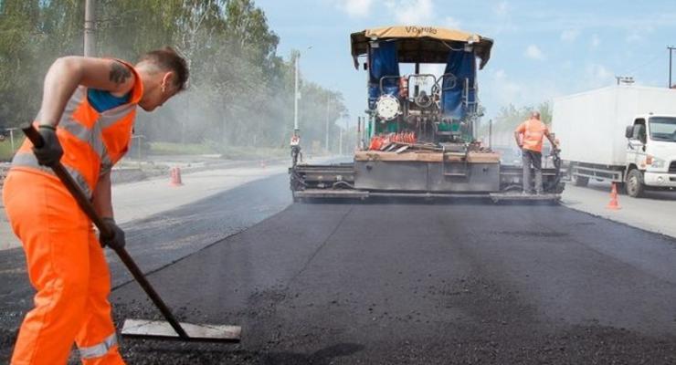 В Украине хотят построить 2,5 тысячи местных дорог