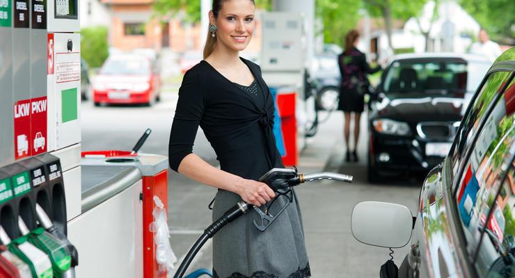 В Украине снижаются цены на бензин