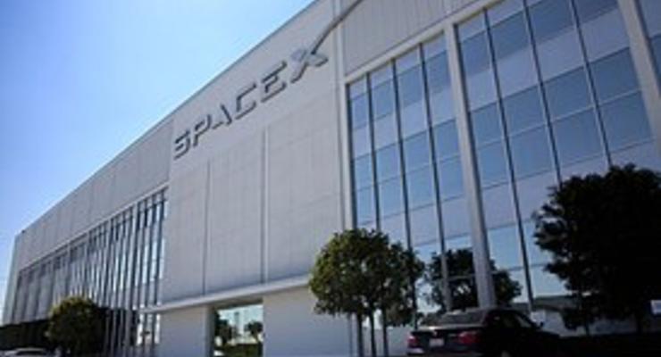 SpaceX будет отправлять туристов в космос через 2 года