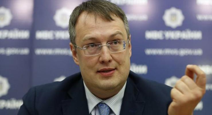 Проверять самоизоляцию украинцев могут с помощью мобильных операторов