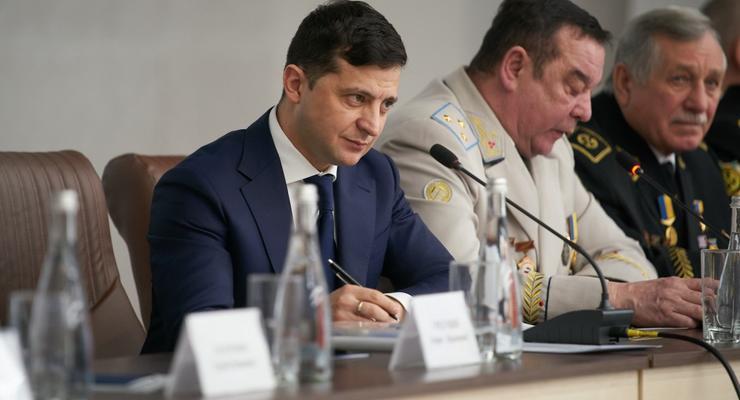 Зеленский выступил против закрытия рынков на время карантина