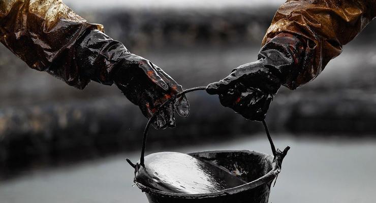 Нефть немного прибавила в цене
