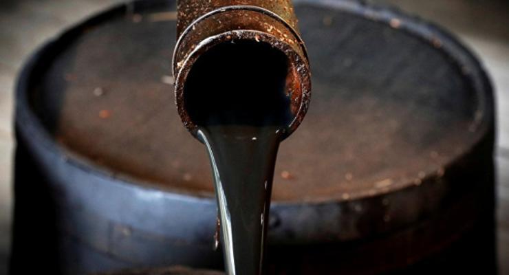 Нефть подешевела после резкого скачка
