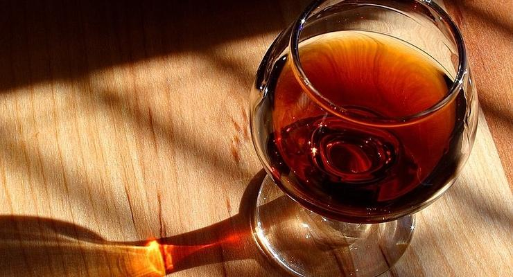 За год украинцы выпили около 8 млн литров коньяка
