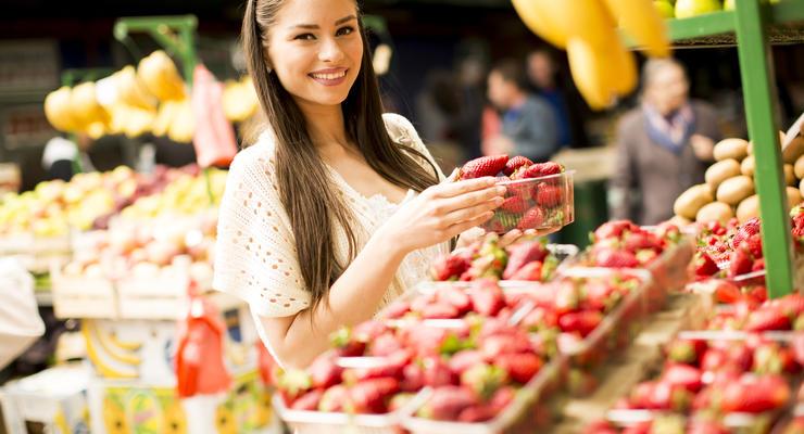 В Киеве открыли три рынка