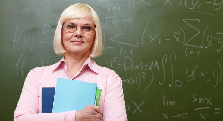 """""""Слуга народа"""": учителей-пенсионеров увольнять никто не будет"""
