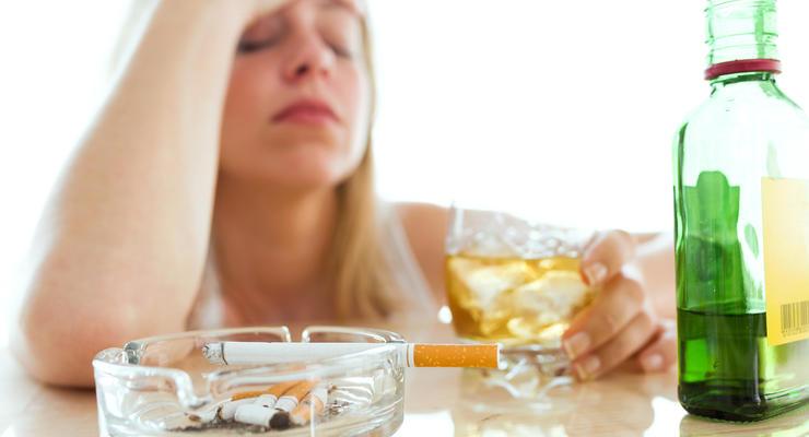В Украине за год значительно подорожали алкоголь и табак: цифры
