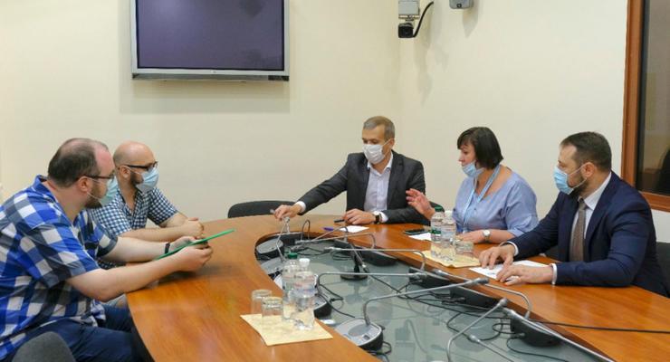 "Битва за ""Укрбуд"": Представители Кабмина встретились с инвесторами"