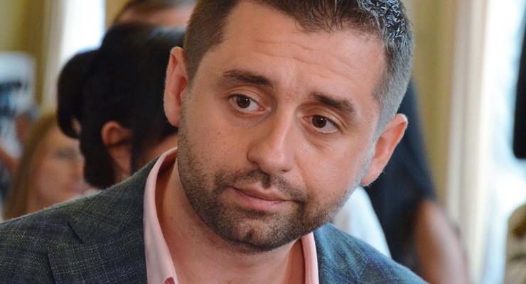 Каждый украинец из своего кармана платит за зеленый тариф - Арахамия