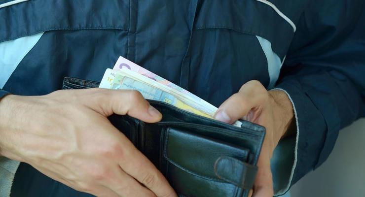 Минималка - на взлет: За чей счет повысят минимальную зарплату в Украине