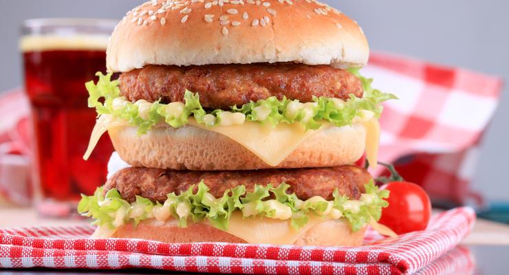 Гривна в индексе Big Mac 2020 оказалась одной из самых недооцененных валют