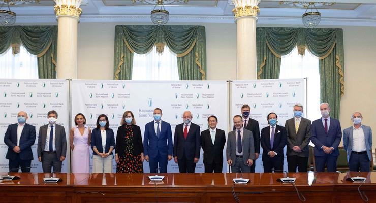 Новый глава НБУ провел первые встречи с ЕБРР, Всемирным банком и послами G7