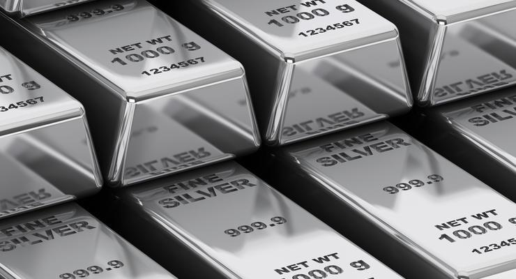 Вслед за золотом: Цена на серебро побила исторический рекорд