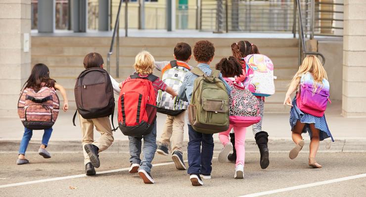 В МОН рассказали, когда детям в этом году идти в школу