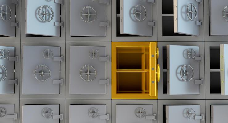 Ставки по депозитам продолжают падать: Что происходит