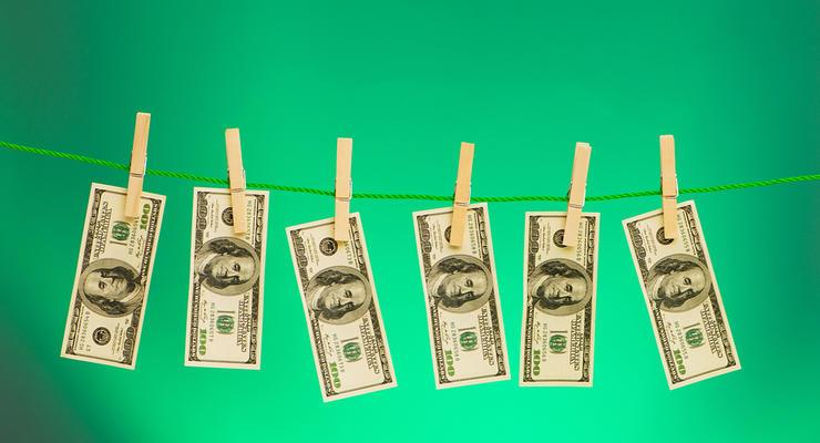 Украина поднялась в рейтинге борьбы с отмыванием денег