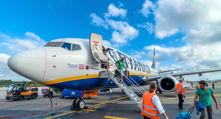 Лоукостер Ryanair отменил практически все рейсы в Украину - СМИ