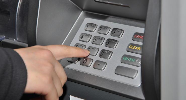 Сколько денег украли мошенники из банкоматов за половину 2020 года