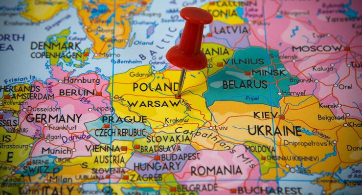 Полмиллиона украинцев платят налоги в Польше - СМИ