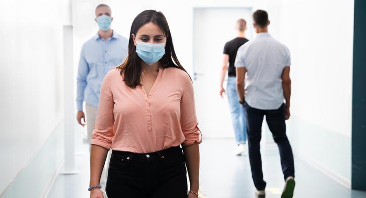 Рада одобрила штрафы за отсутствие и неправильное ношение масок: Детали