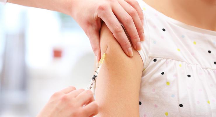 Известна стоимость дозы антикоронавирусной вакцины в Украине: Цифра